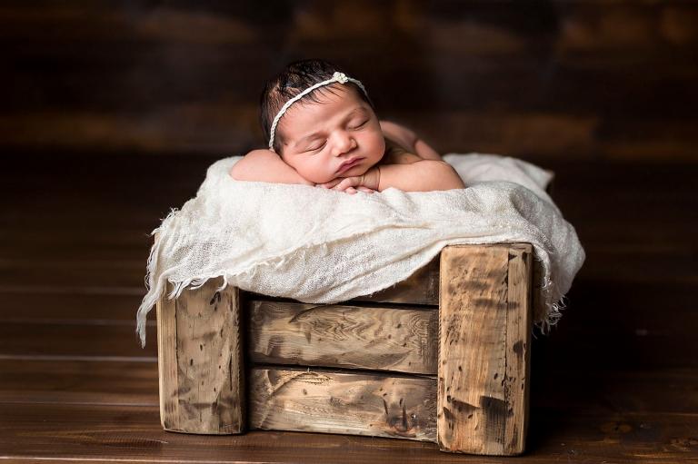 Newbornfotografie Nijmegen Beuningen Elst Lent babyfotograaf